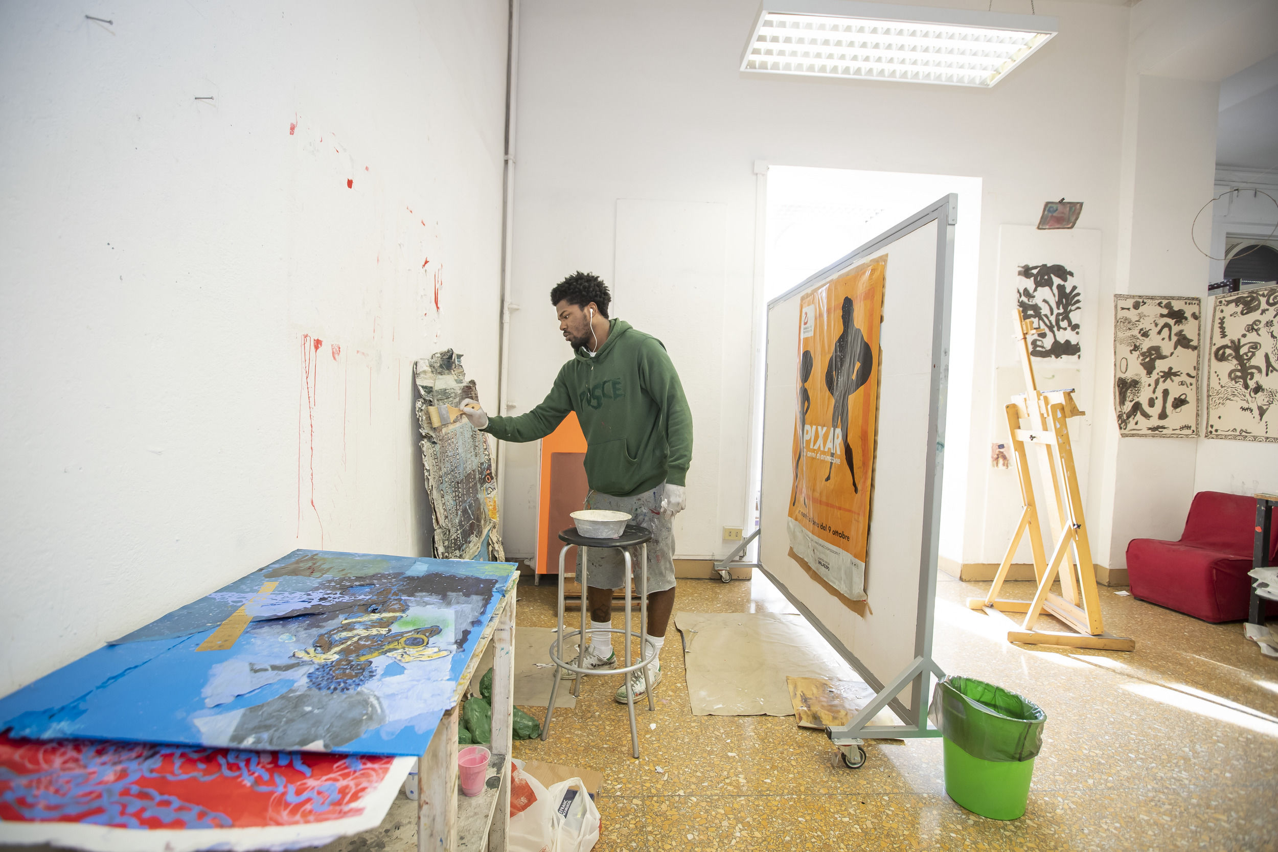 A student working in an art studio at Temple Rome.